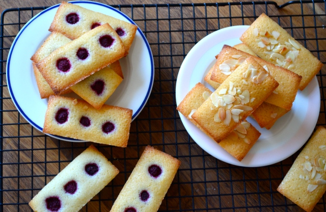 Plain and raspberry financiers